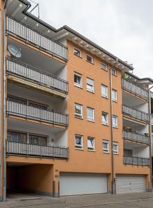 Refernz Maler Mausolf Pforzheim - Ispringen - Eine unserer Kernkompetenzen - Malerarbeiten an Aussenfassaden - Mehrfamilienhaus streichen1